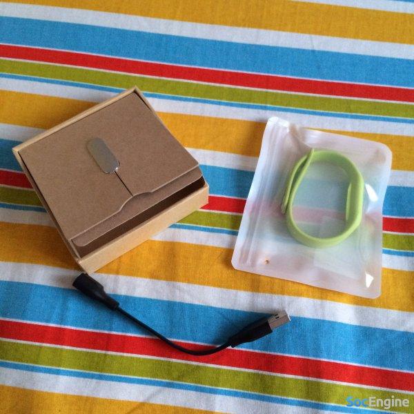 Получил новый Mi Band 1S + дополнительный зеленый браслет